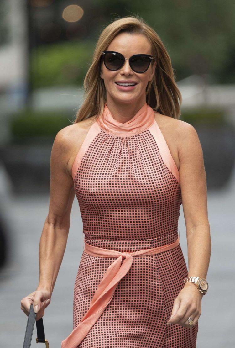 Gorgeous Amanda Holden Spotted Out In London