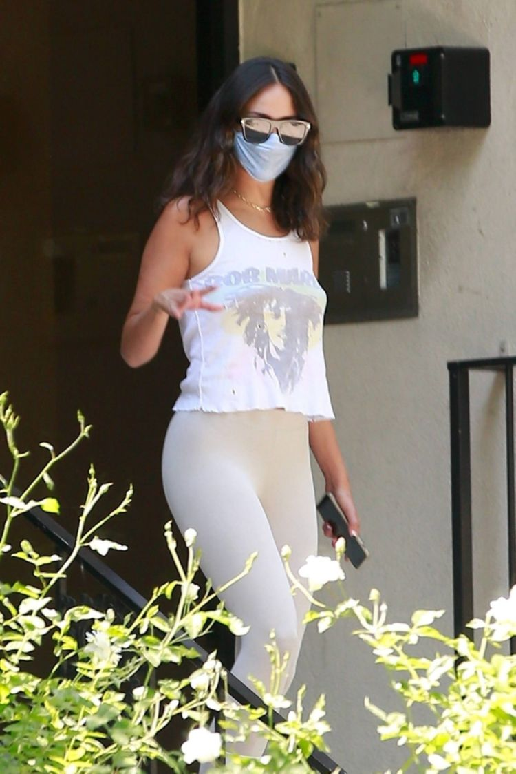 Eiza Gonzalez Candids In Leggings Out In Los Angeles