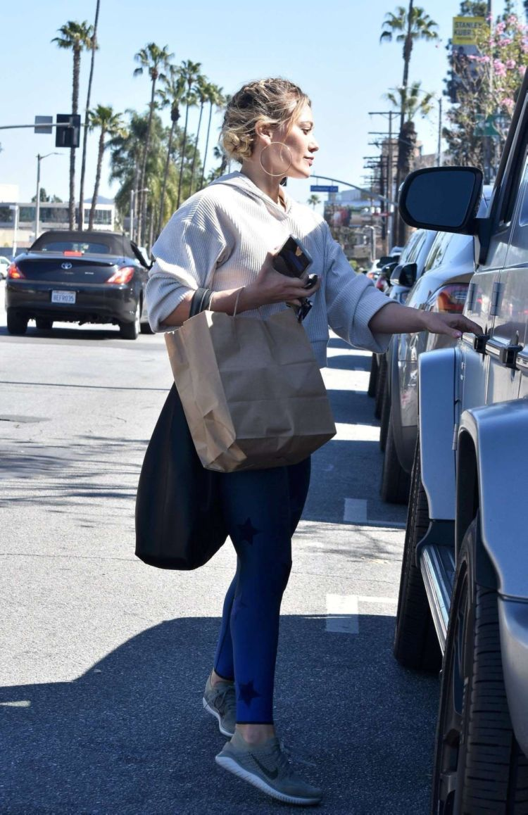 Hilary Duff Candids At Raw Junkies In Studio City