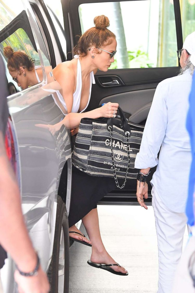 Jennifer Lopez Heads Candids At The Standard Hotel In Miami