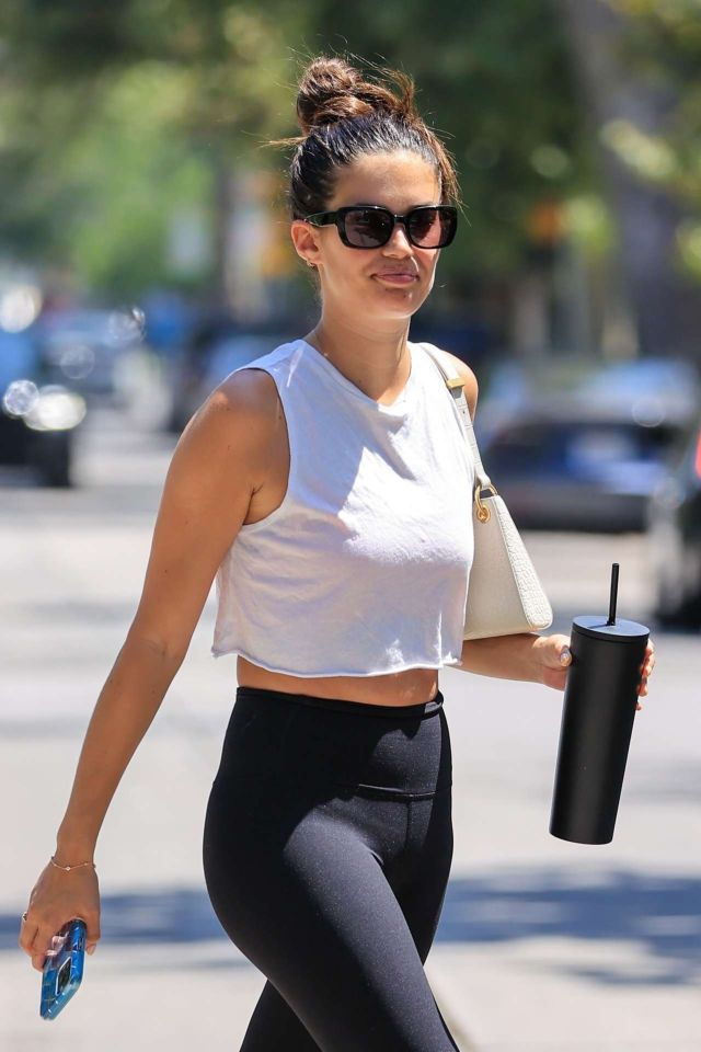 Stunning Sara Sampaio In Yoga Pants For A Workout In West Hollywood