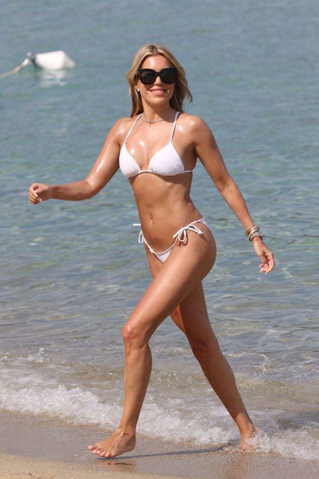 Sylvie Meis In A White Bikini On The Beach In Saint Tropez